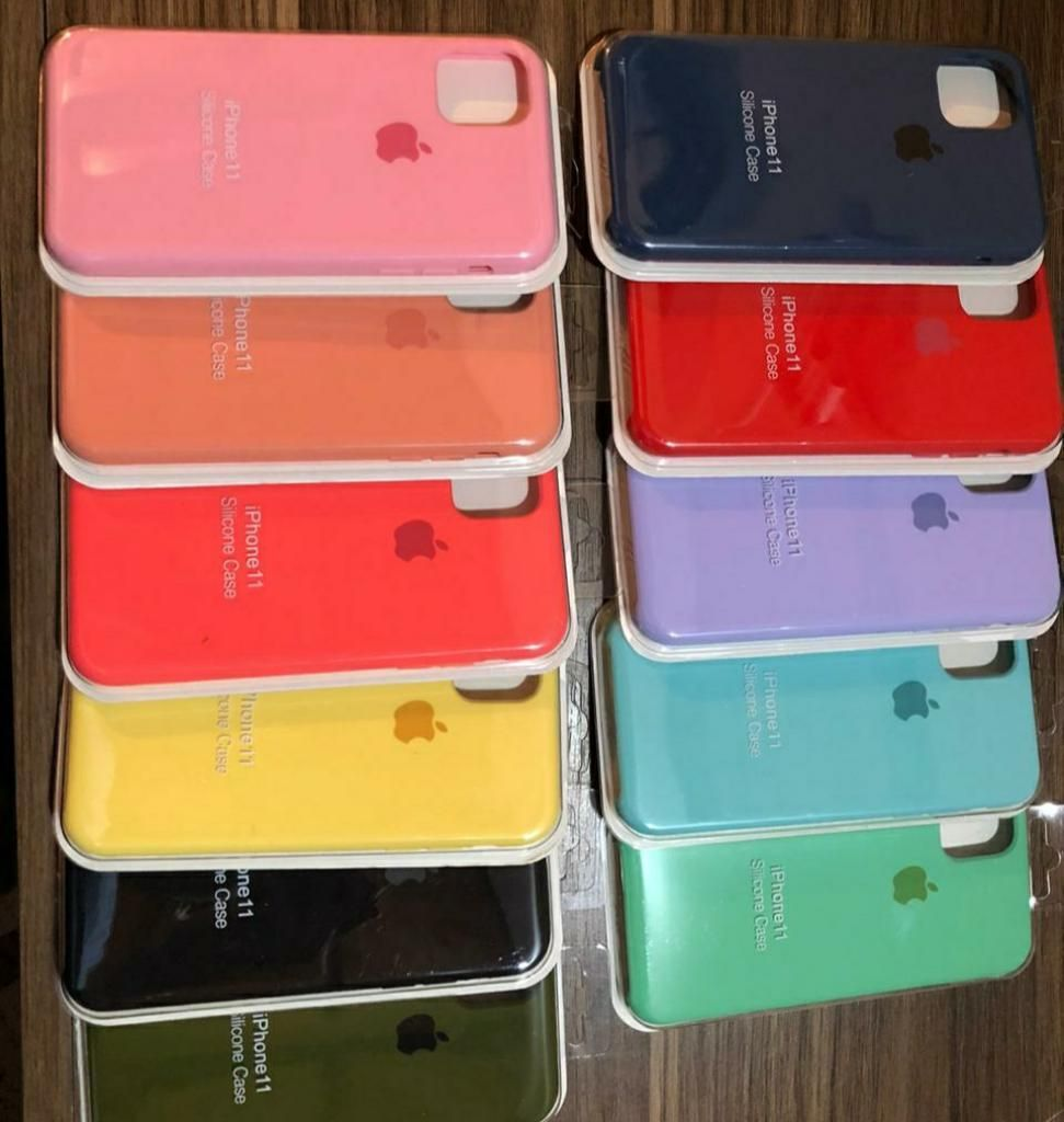 Silicone Case iPhone 11 Y Demas