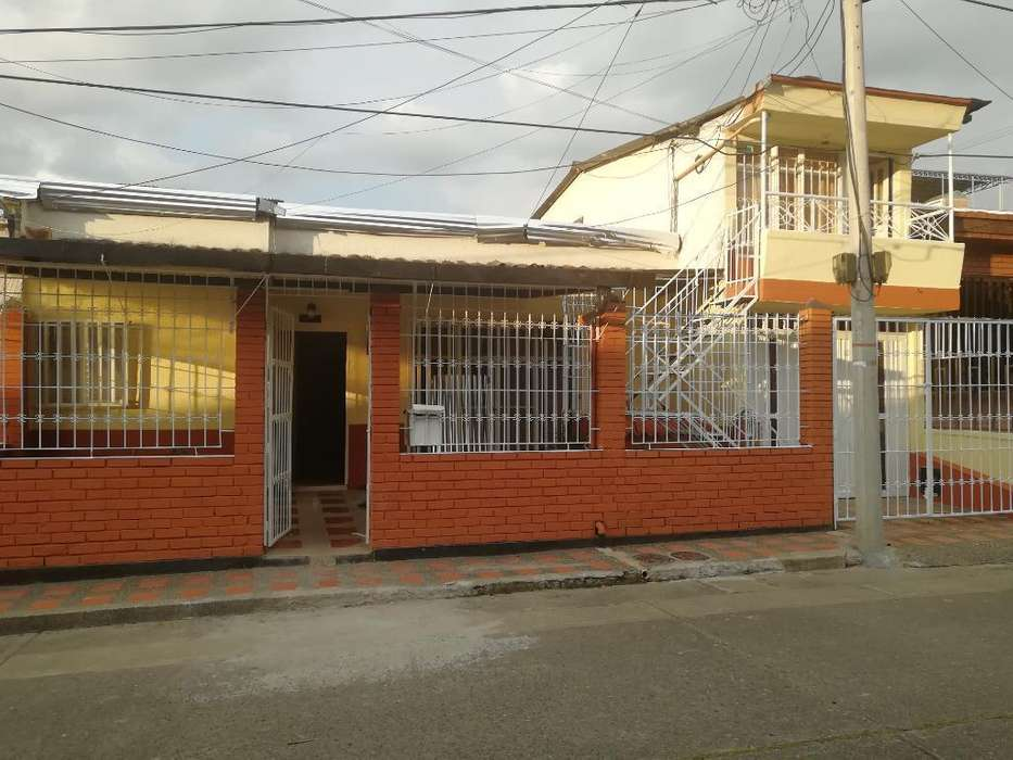 Venta Casa Grande 12x18 Mts Naranjos
