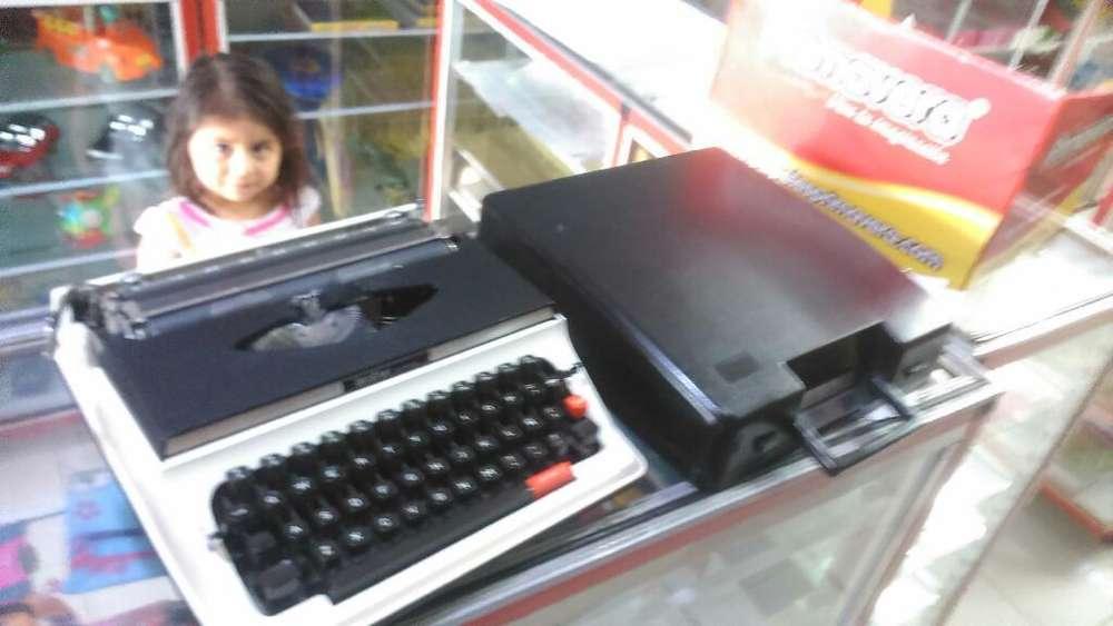 Maquina de Escribir Como Nueva Brother.