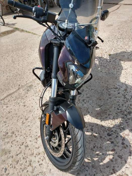 VENDO BAJAJ 400 DOMINAR. IMPECABLE UNICO DUEÑO.