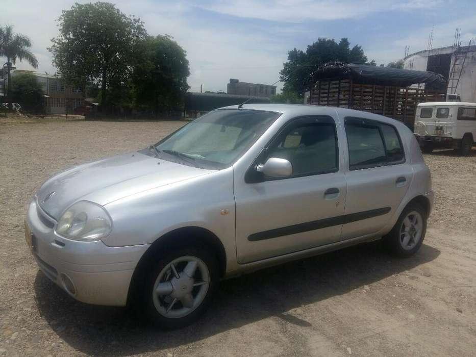 Renault Clio  2002 - 200 km