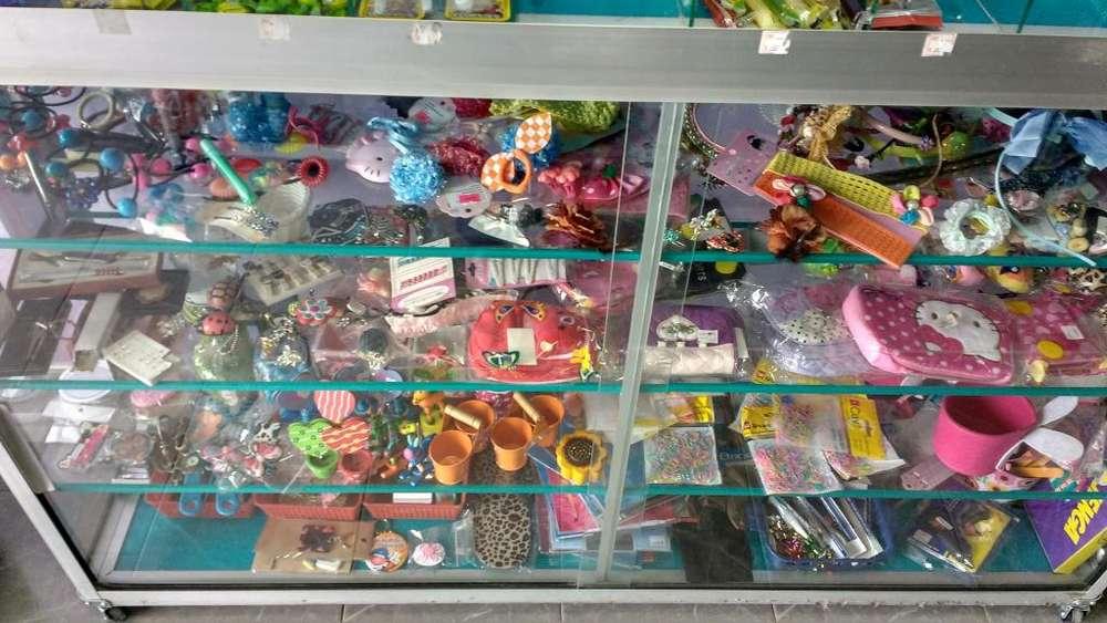 Se vende variedades ubicada en el barrio Santa Mnica