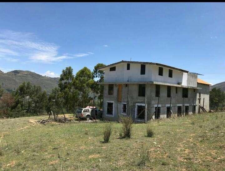 Vendo Casa con 2 Edificios, area 5000 m2.-2000m2 construidos.