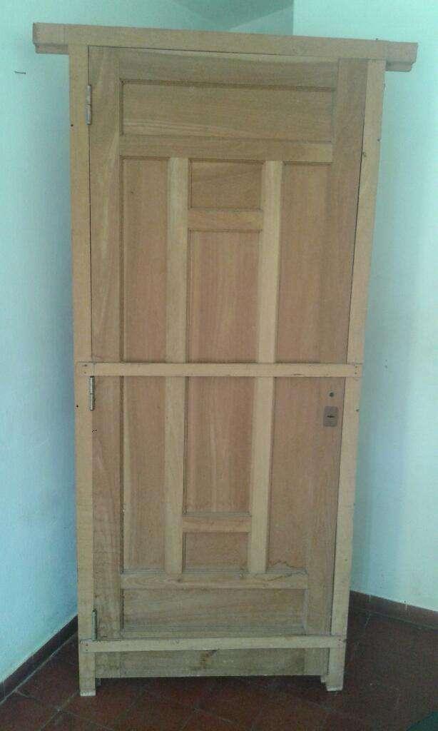 Puerta Cedro Tallada con Marco Nueva