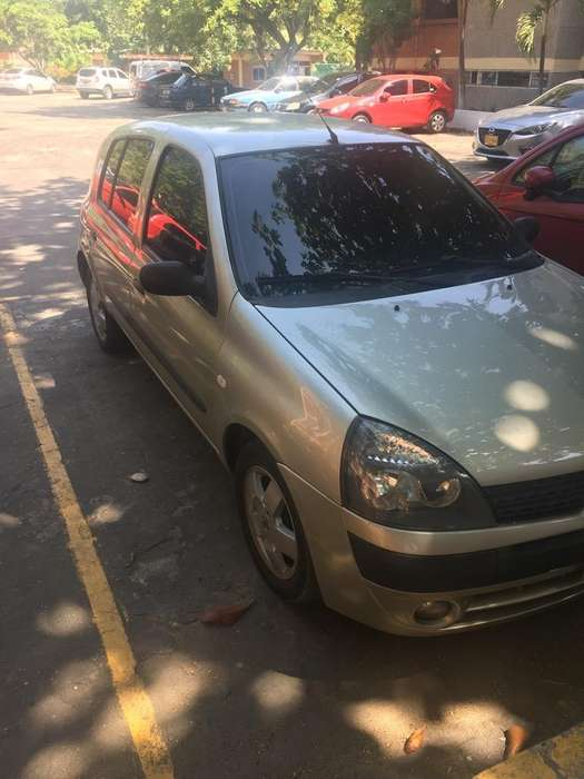 Renault Clio  2011 - 83000 km
