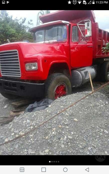 Volqueta Mack 85 15000 Negosiable