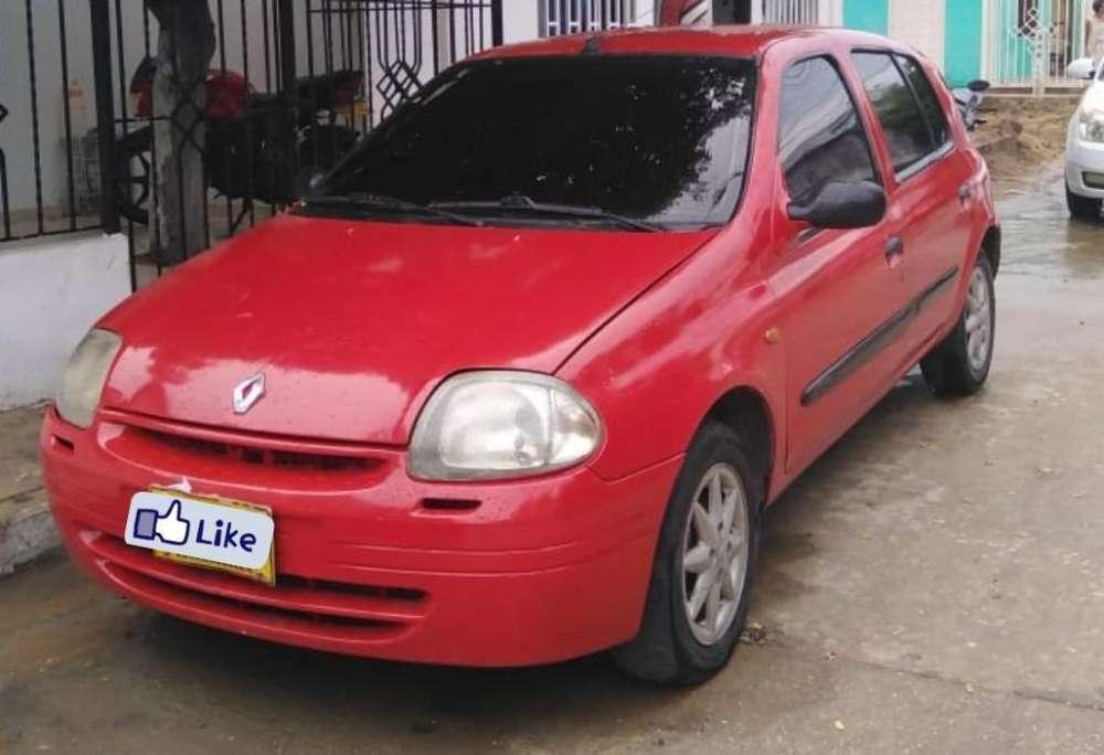 Renault Clio  2002 - 0 km
