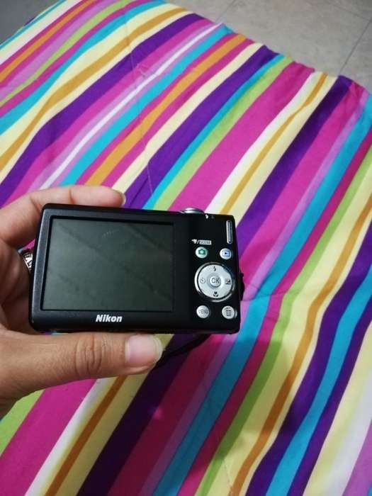 Vendo Cámara Digital Nikon Coolpix S 220