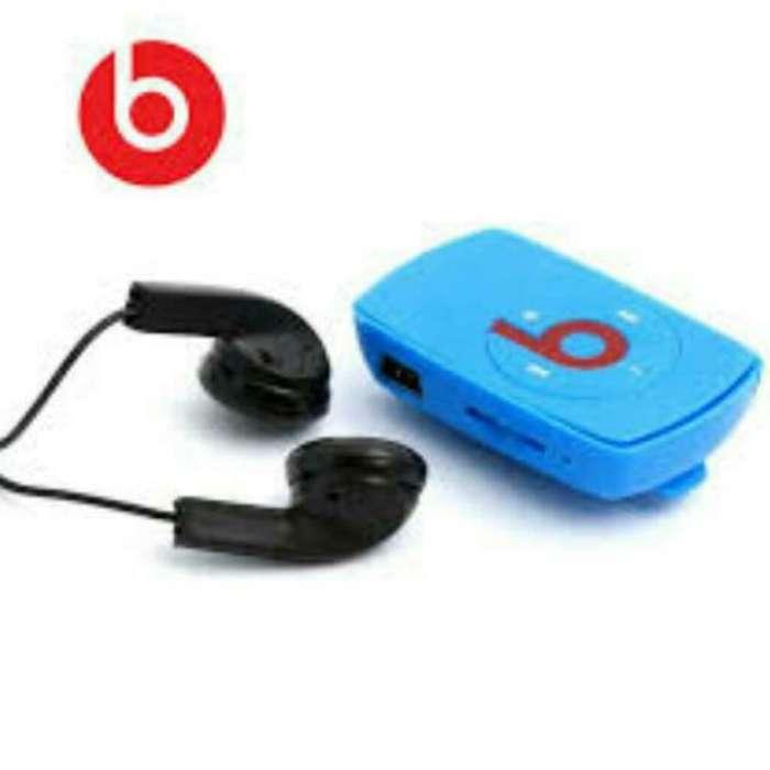Mp3 beats con cargador y auriculares