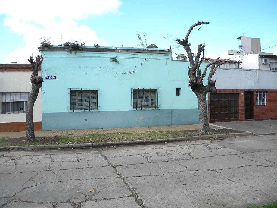 Departamento Tipo Casa en venta en Santos Lugares