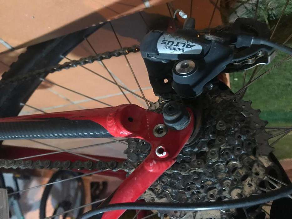 Vendo bicicleta specialized roja