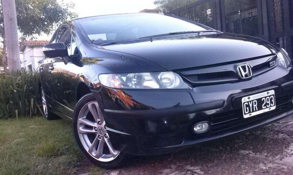 Honda Civic 2008 - 160000 km