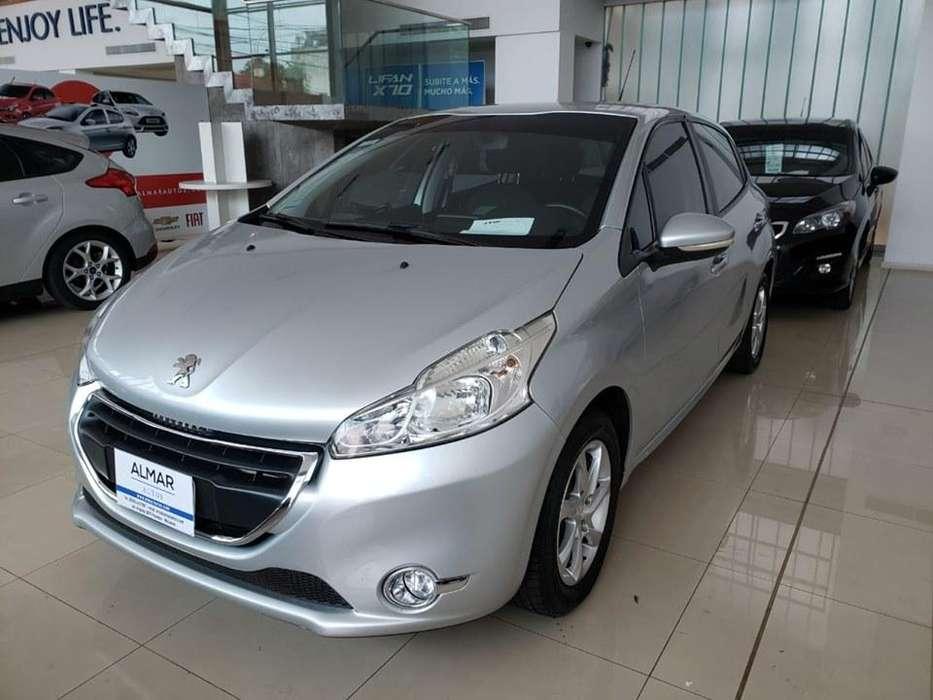 Peugeot 208 2014 - 77000 km