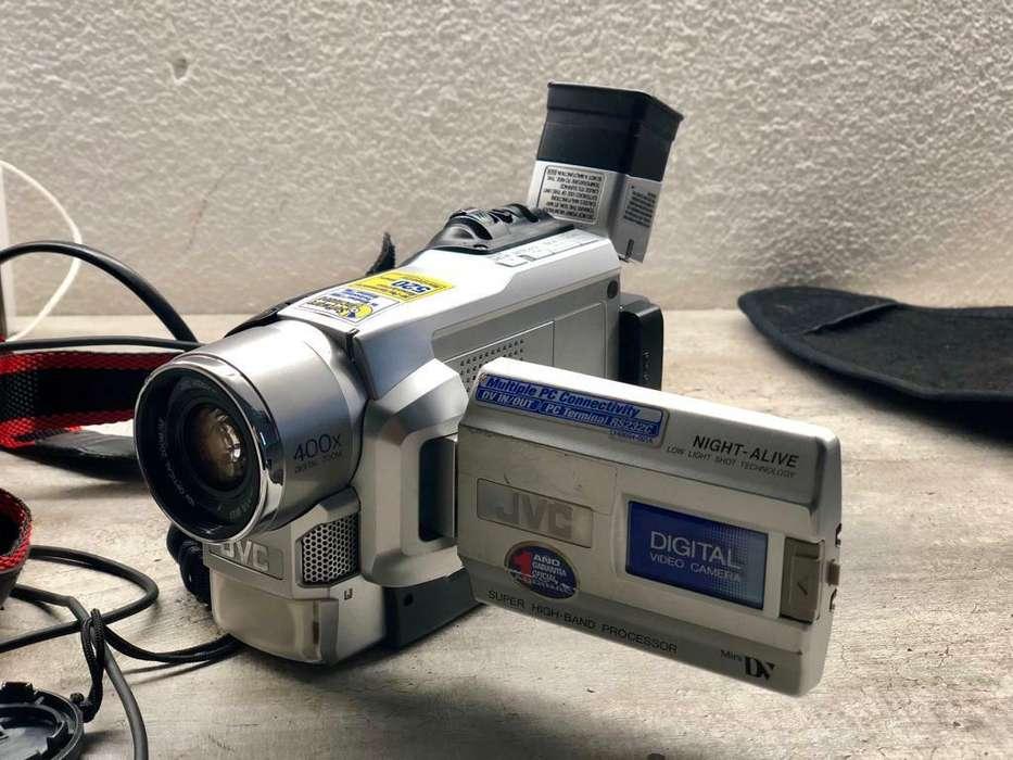 Filmadora Jvc con Accesorios Completos