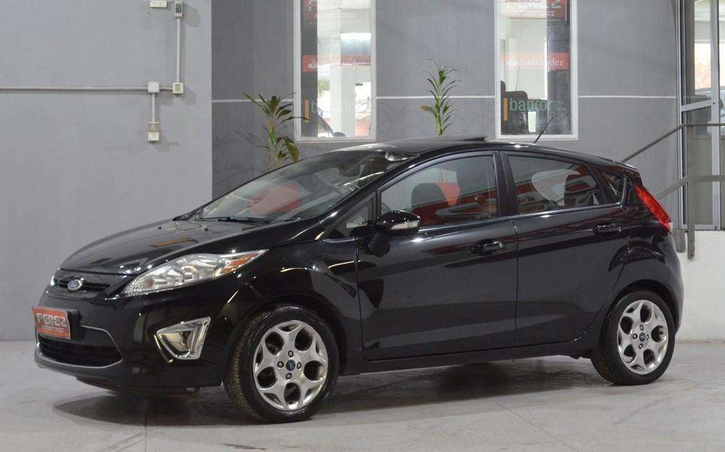 Ford Fiesta Kinetic Titanium con gnc 2013 imperdible