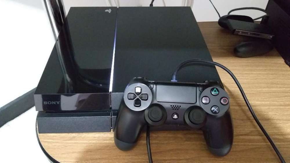Vendo Playstation 4 Fat Ps4