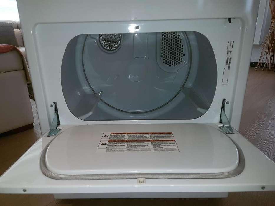 Vendo secadora de ropa eléctrica nueva Whirlpool
