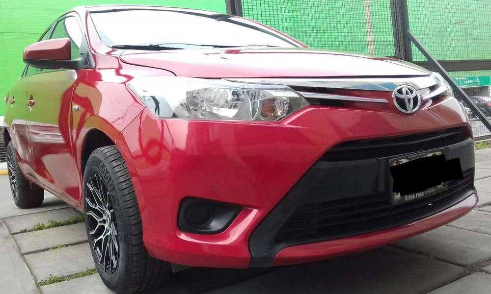 Toyota Yaris 2014 - 69800 km