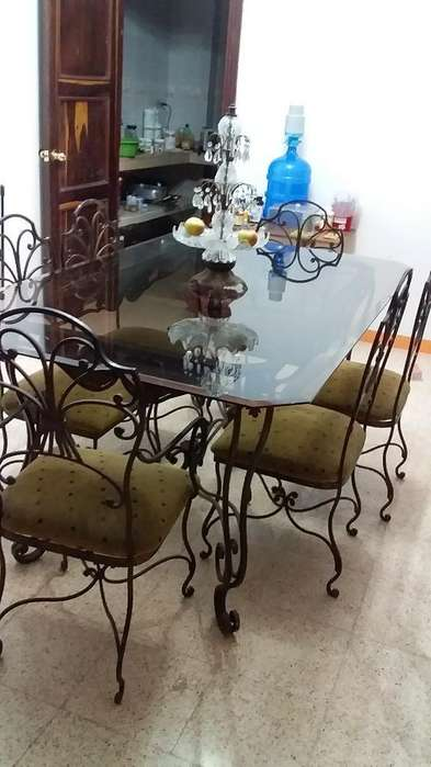 Vendo O Cambio Mesa con Vidrio 6 <strong>silla</strong>s.