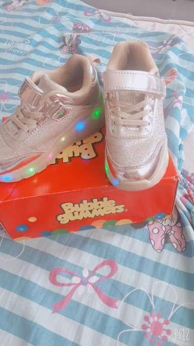 Vendo Hermoxos Zapatos de Ruedas