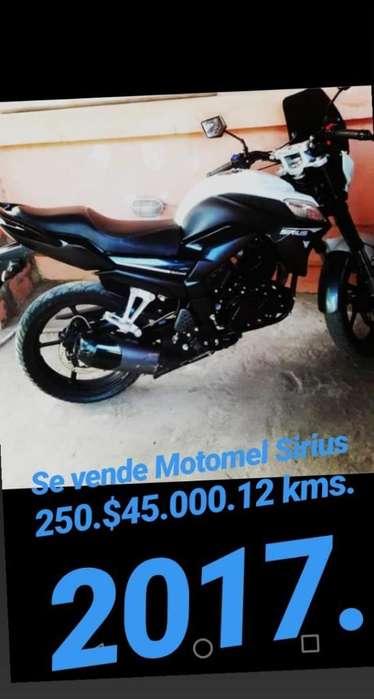 Motomel Sirius 250
