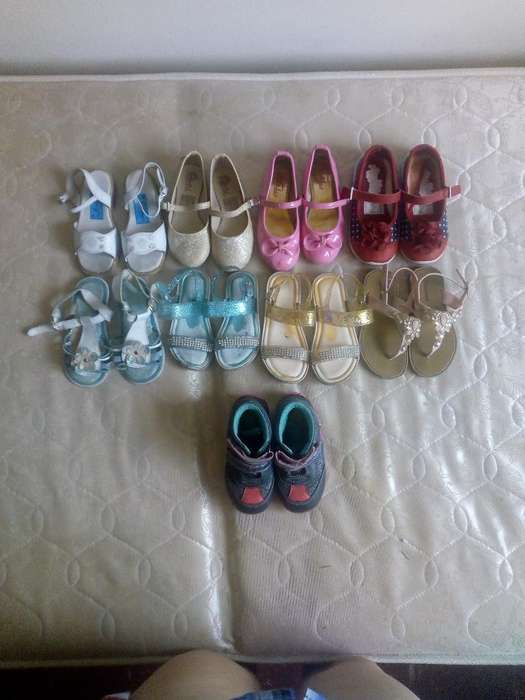 Lote de Zapatos Talla 25