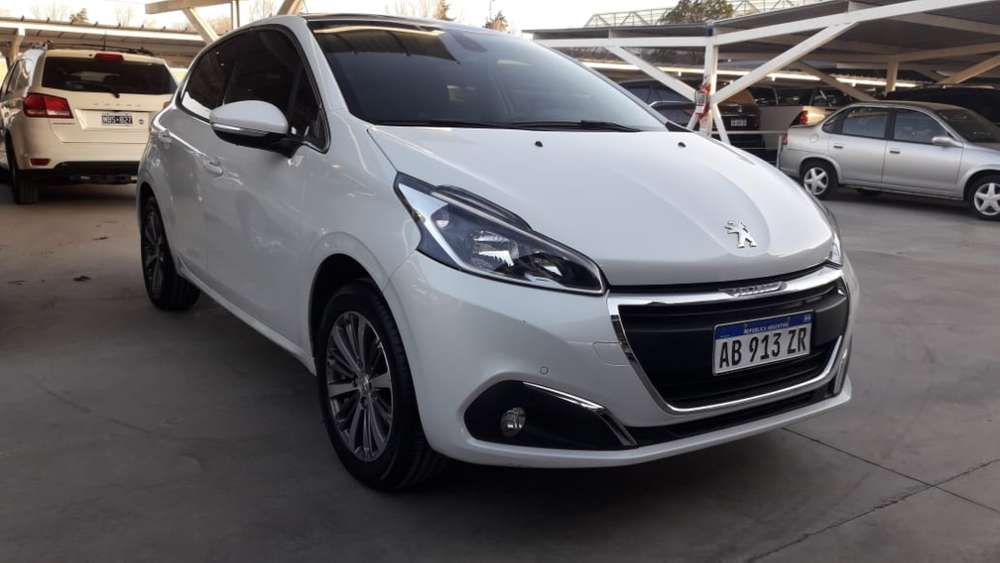 <strong>peugeot</strong> 208 2018 - 15100 km