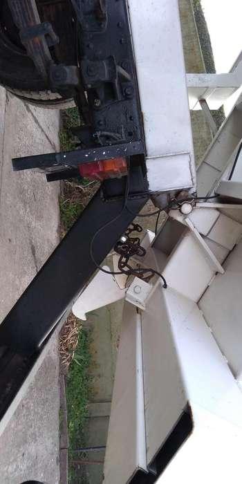 Vendo MBenz 1114 mod 71 motor 1518 turbo con caja volcadora tipo bat