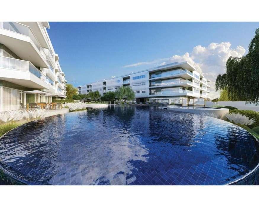 700mt Mar Jurerê FLORIANÓPOLIS BRAZIL Lujuoso Penthouse 5 Suites Financia
