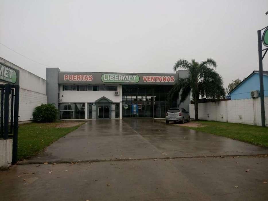 Av Juan B Justo - Local con estacionamiento propio