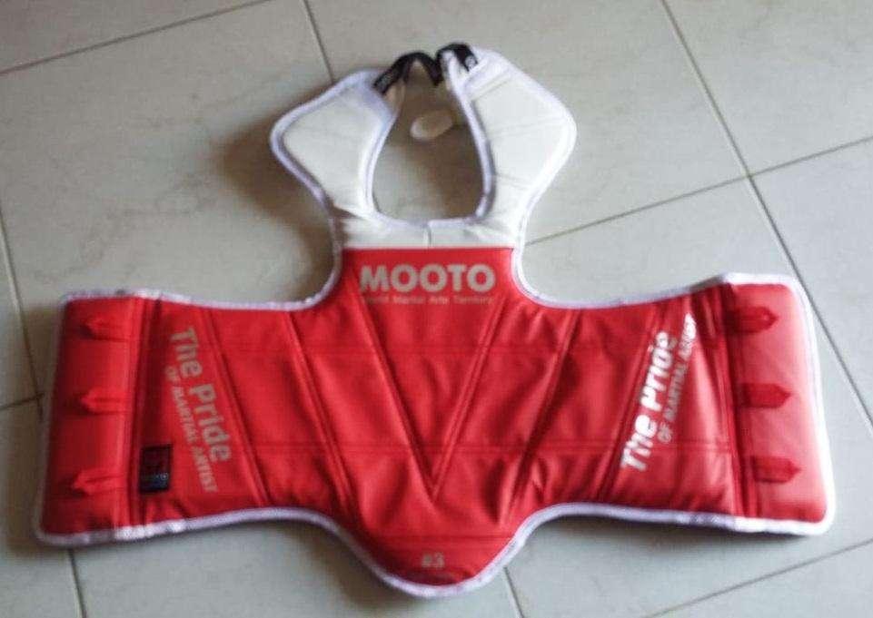 Pechera para taekwondo Marca Mooto reversible por mayor y detal
