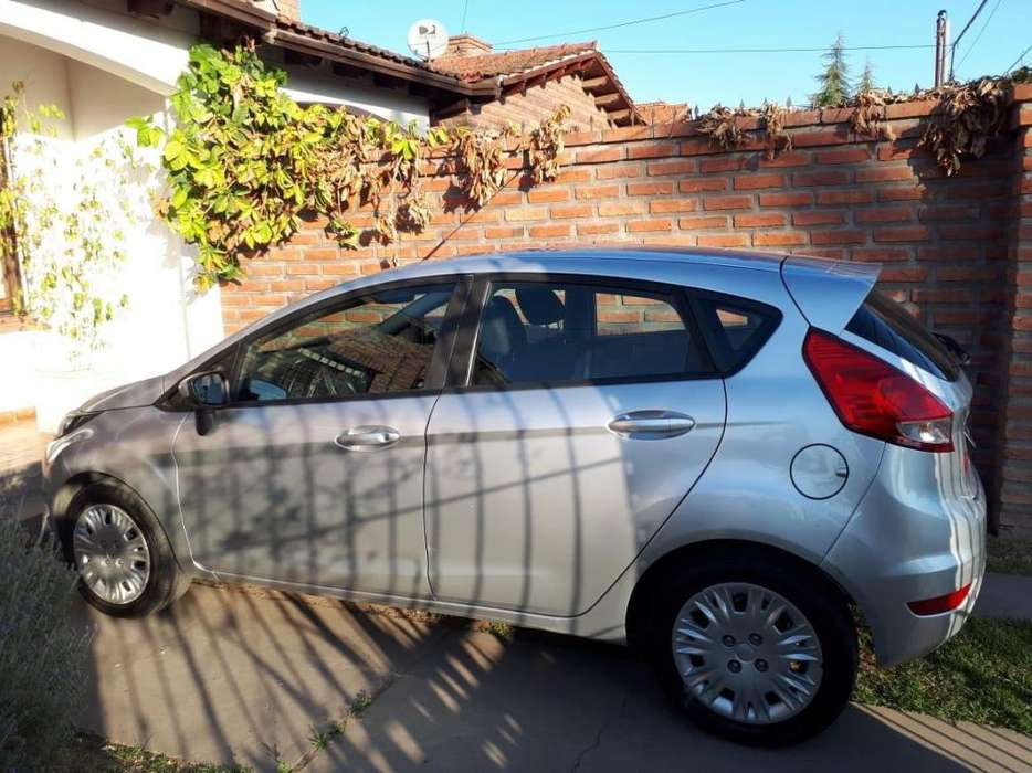Ford Fiesta  2015 - 79000 km
