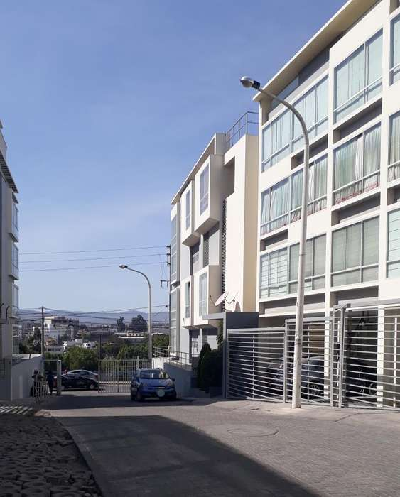 Dúplex en venta con amplia área de terraza
