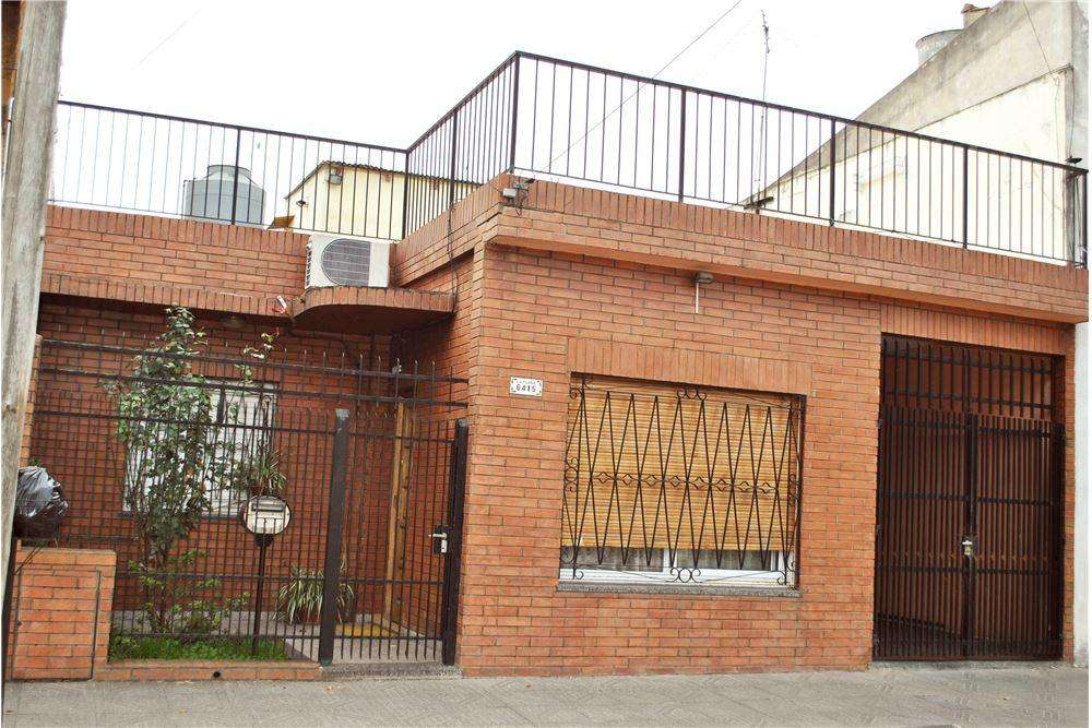 Casa 4 amb, cochera, patio, terraza (7,6x17,3)