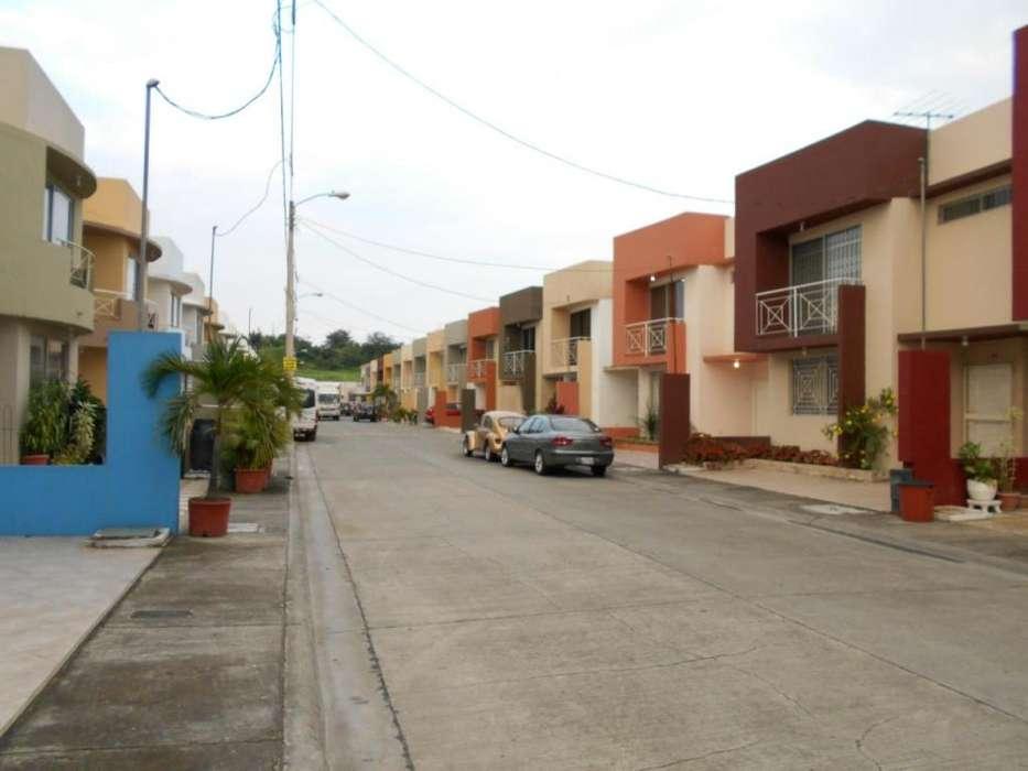 Alquiler, de casa en Santorini Al norte de Guayaquil, cerca a city Mall