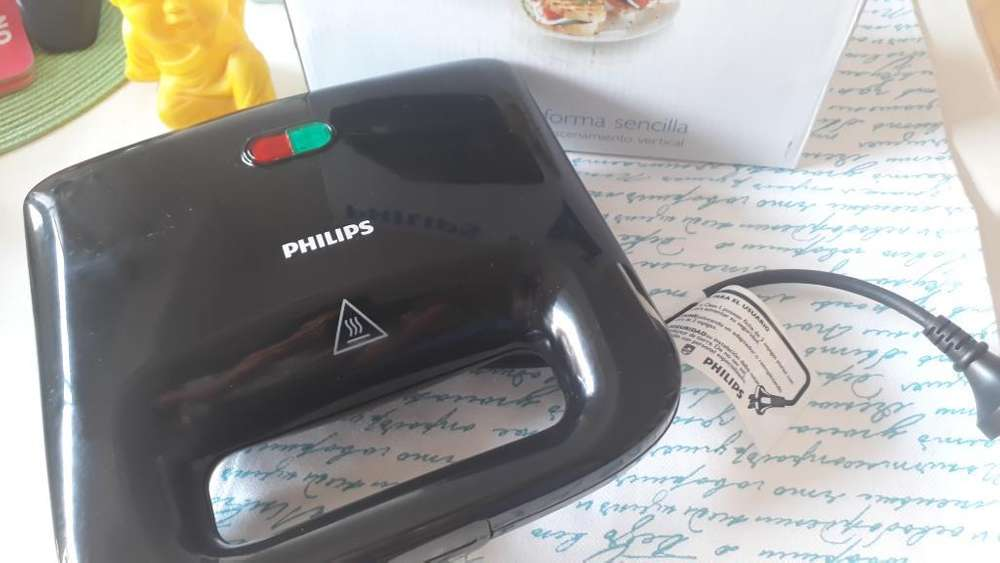 <strong>sandwichera</strong> Philips. Panini Maker 820w