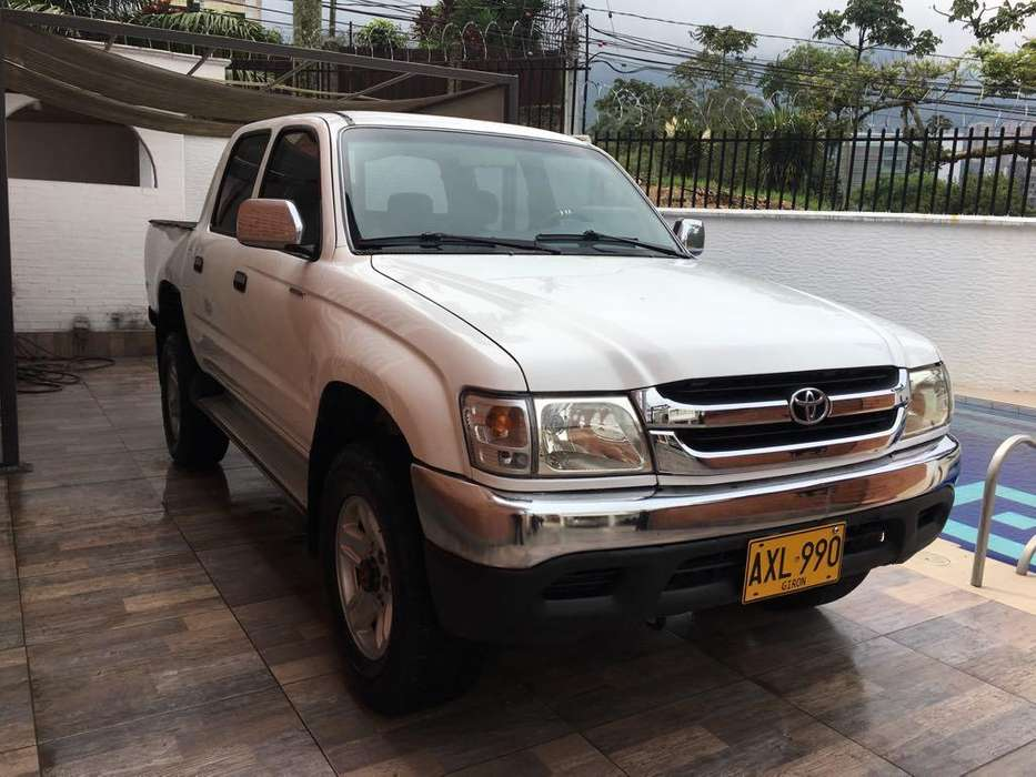 <strong>toyota</strong> Hilux 2004 - 136000 km