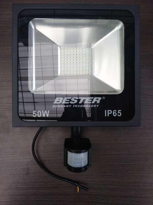 Reflector Bester de 50 W 6500 K con Sens