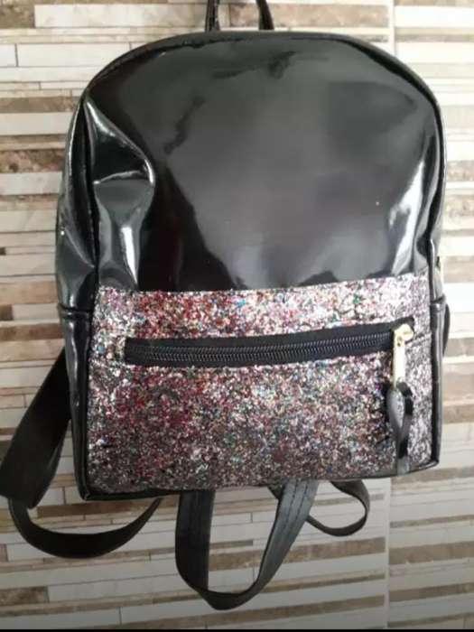 Mochila Charol con Glitter Nueva