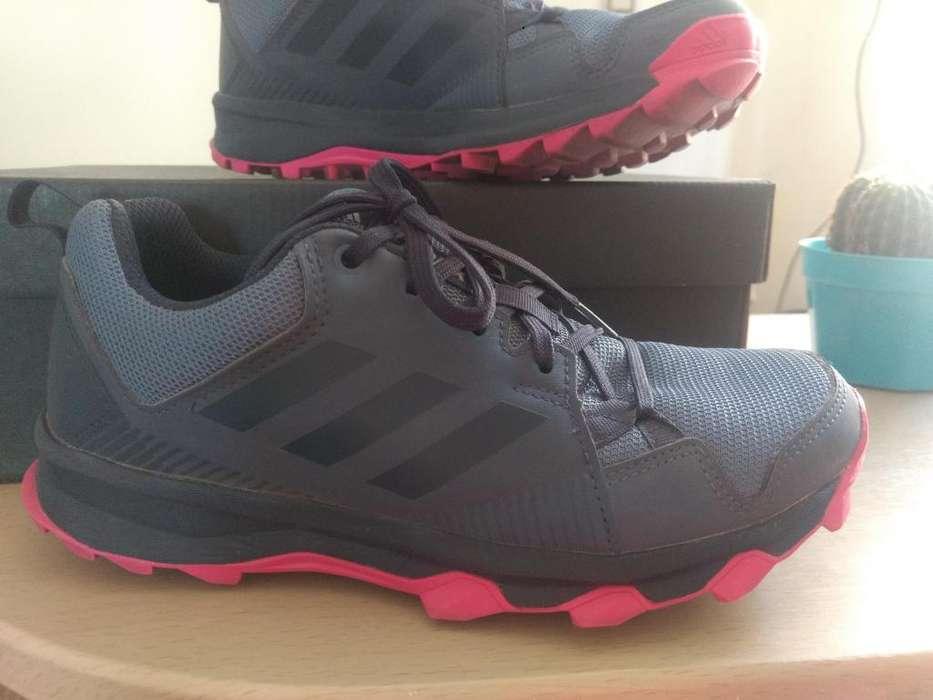 Zapatillas Adidas Terrex de <strong>mujer</strong> talle 36 Nuevas casi sin uso