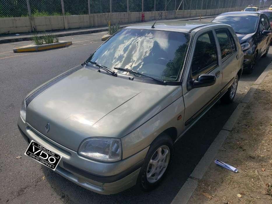 Renault Clio  1999 - 245000 km