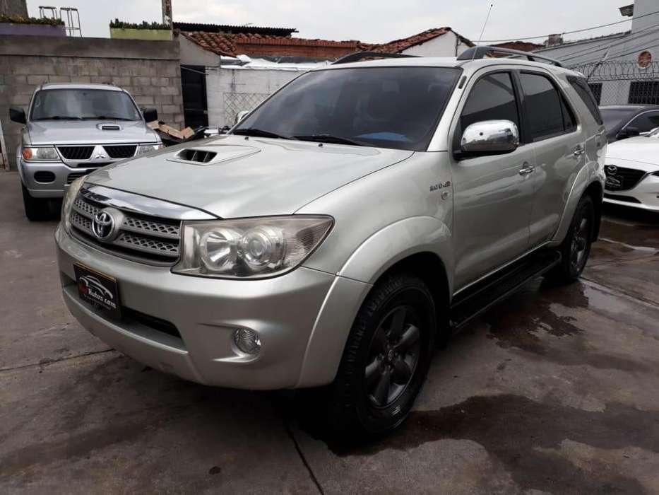Toyota Fortuner 2009 - 184674 km