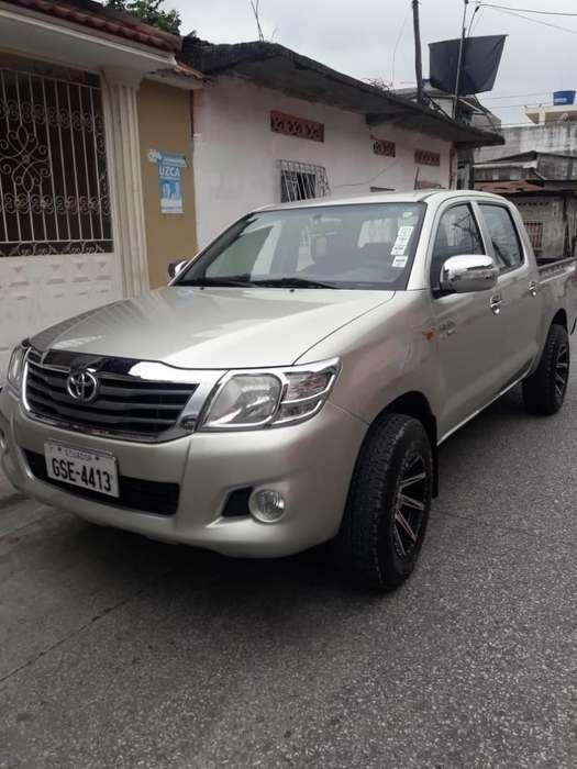 Toyota Hilux 2012 - 117200 km