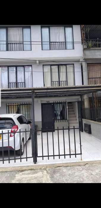 Se Vende <strong>casa</strong> de 3 Pisos La Acuarela Cub
