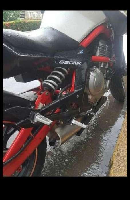 Vendo Moto Cfmoto 650nk