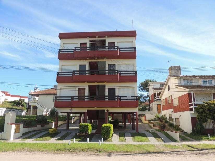 uu81 - Departamento para 2 a 4 personas en Villa Gesell