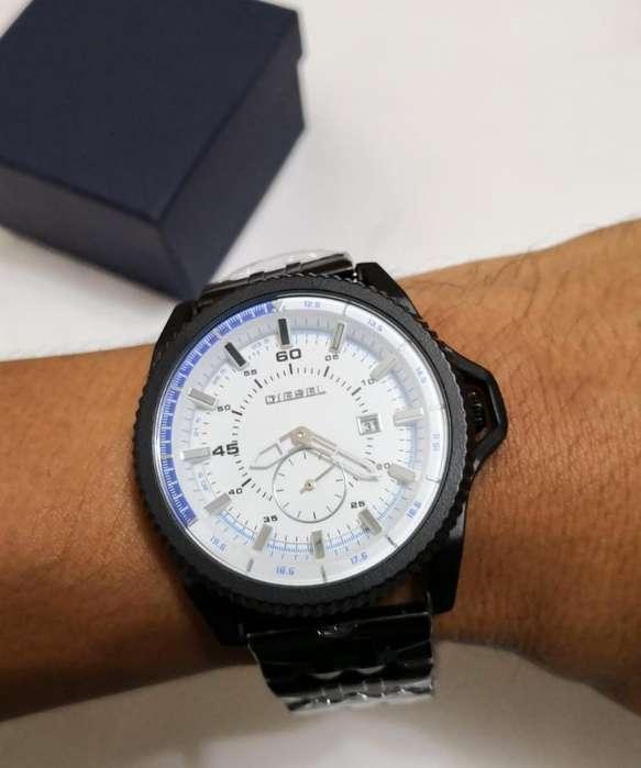 1fee6d2d5815 Diesel relojes  Relojes - Joyas - Accesorios en venta en Guayaquil