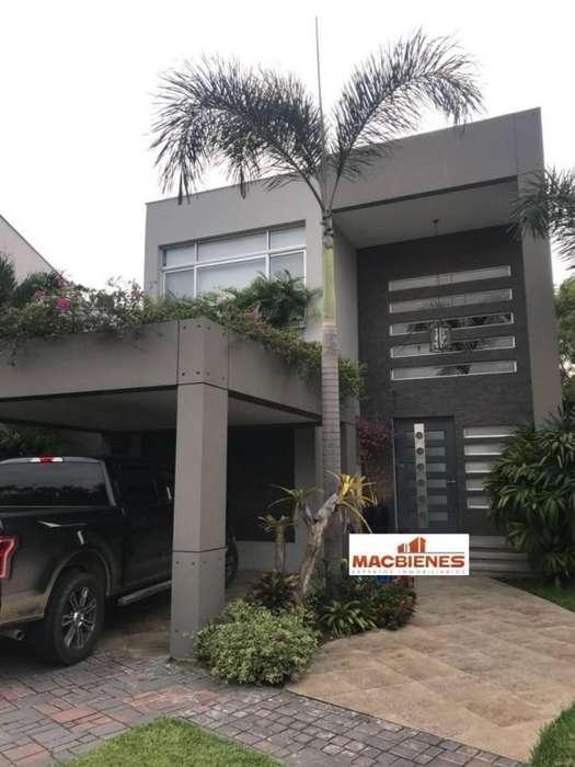 Venta de Casa en Isla Mocolí - Vía a Samborondón - norte de Guayaquil
