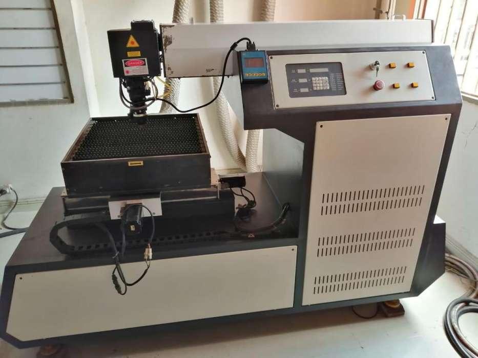 Maquina laser para corte de Metales