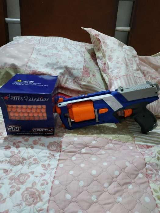 Vendo Pistola Nerf con Mas de 150 Dardos